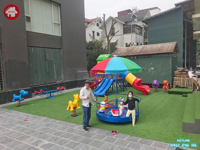 Lắt đặt sân chơi trẻ em ngoài trời cho khu biệt thự tại Dịch Vọng – Hà Nội