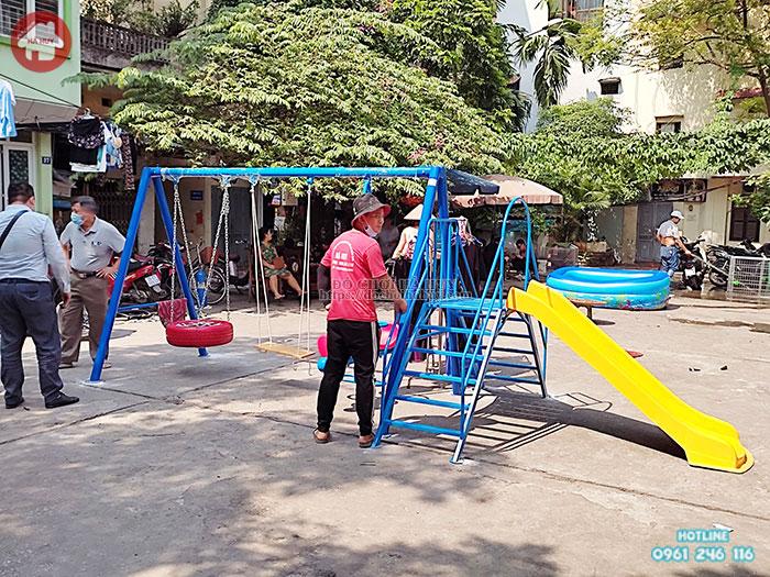 Thi công lắp đặt sân chơi trẻ em ngoài trời tại khu dân cư- huyện đoàn Hoàn Kiếm