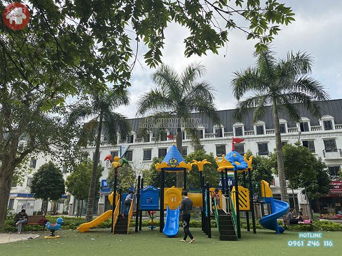 Cầu trượt liên hoàn ngoài trời có thực sự cần thiết đối với sân chơi trẻ em.