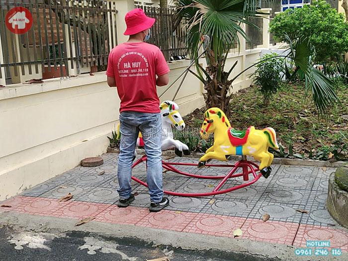 Thi công lắp đặt sân chơi trẻ em ngoài trời cho bệnh viện tại Thạch Thất- Hà Nội