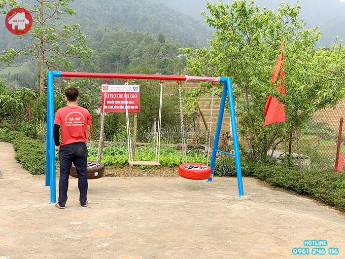 Lắp đặt đồ chơi trẻ em ngoài trời cho huyện đoàn Trạm Tấu- Yên Bái
